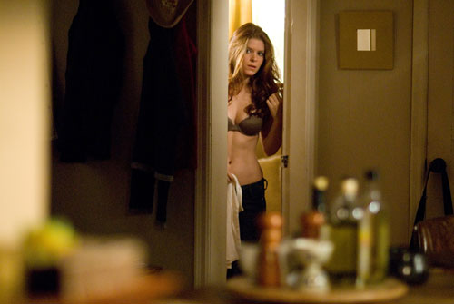 "Kate Mara wearing a bra in ""Shooter"""